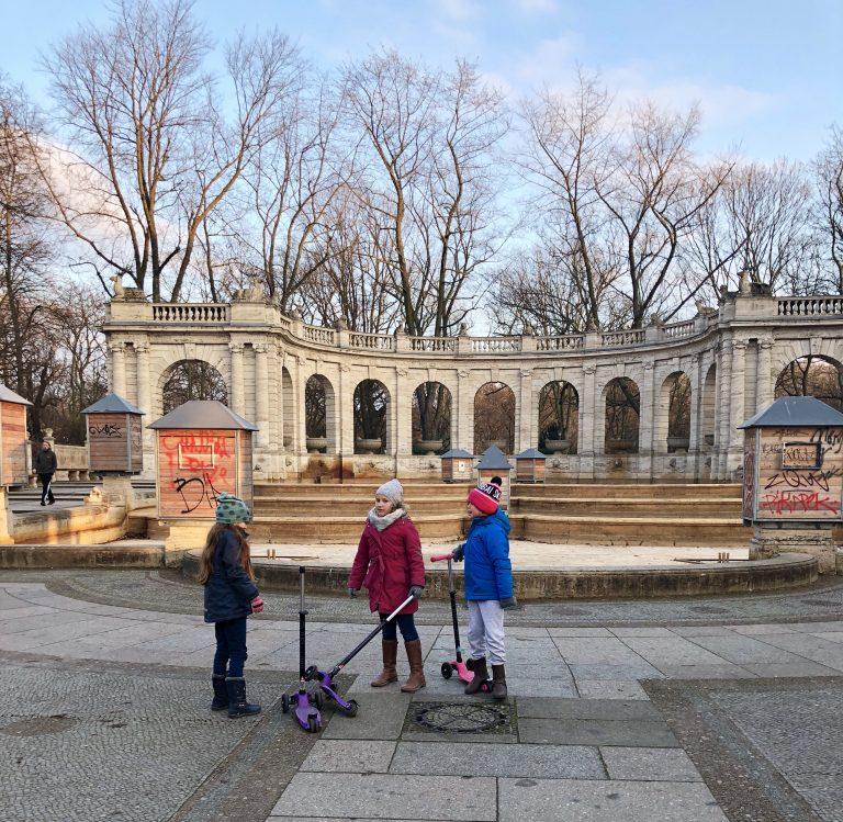 Märchenbrunnen in Berlin | berlinmittemom.com