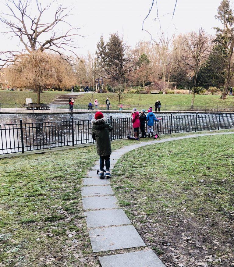 Ententeich im Volkspark Friedrichshain | berlinmittemom.com