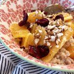 Warmes Frühstück im Winter | Rezept für Mehrkorn-Porridge mit Zimt