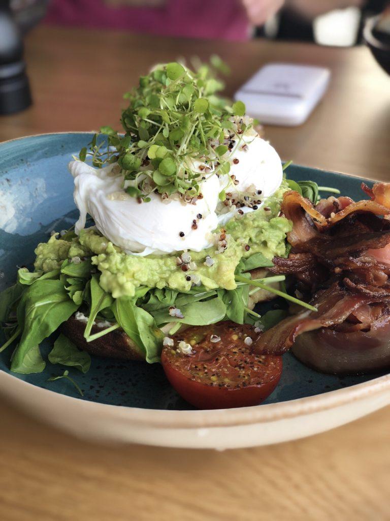 Poached Egg & Avocado   berlinmittemom.com