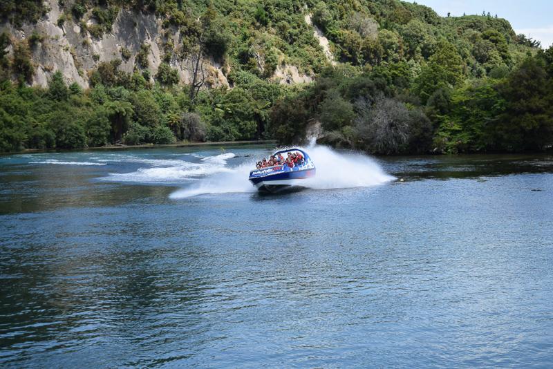 Huka Falls Jetboat | berlinmittemom.com