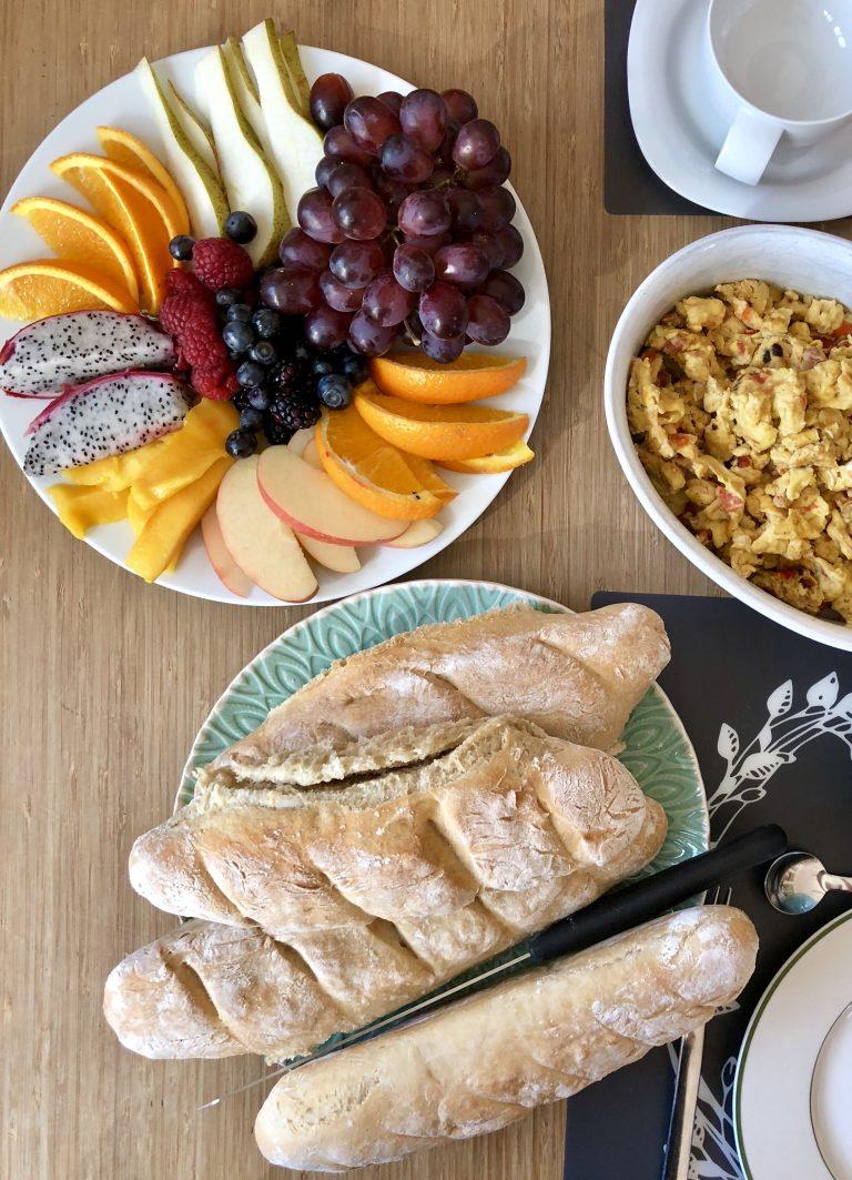 Sonntagsfrühstück mit frischem Baguette | berlinmittemom.com