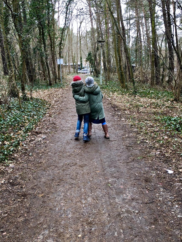 Osterspaziergang im Wald | berlinmittemom.com