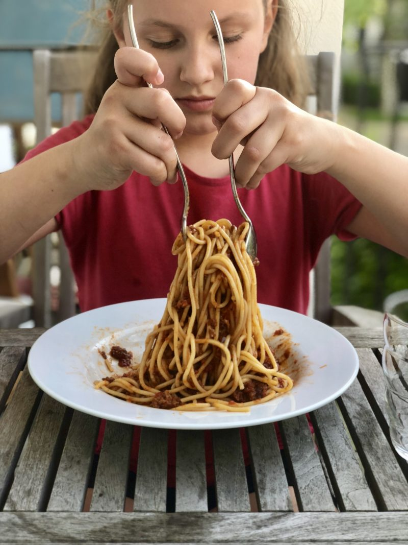 Spaghetti Bolo kochen für Kinder | berlinmittemom.com