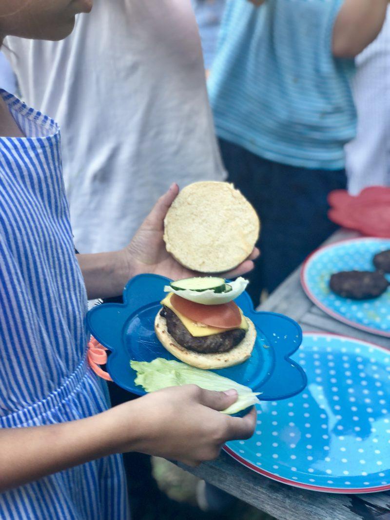 Selbstbau-Burger am Kindergeburtstag | berlinmittemom.com