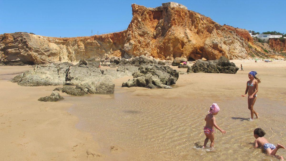 Westalgarve mit Kindern: Praia Tonel | berlinmittemom.com