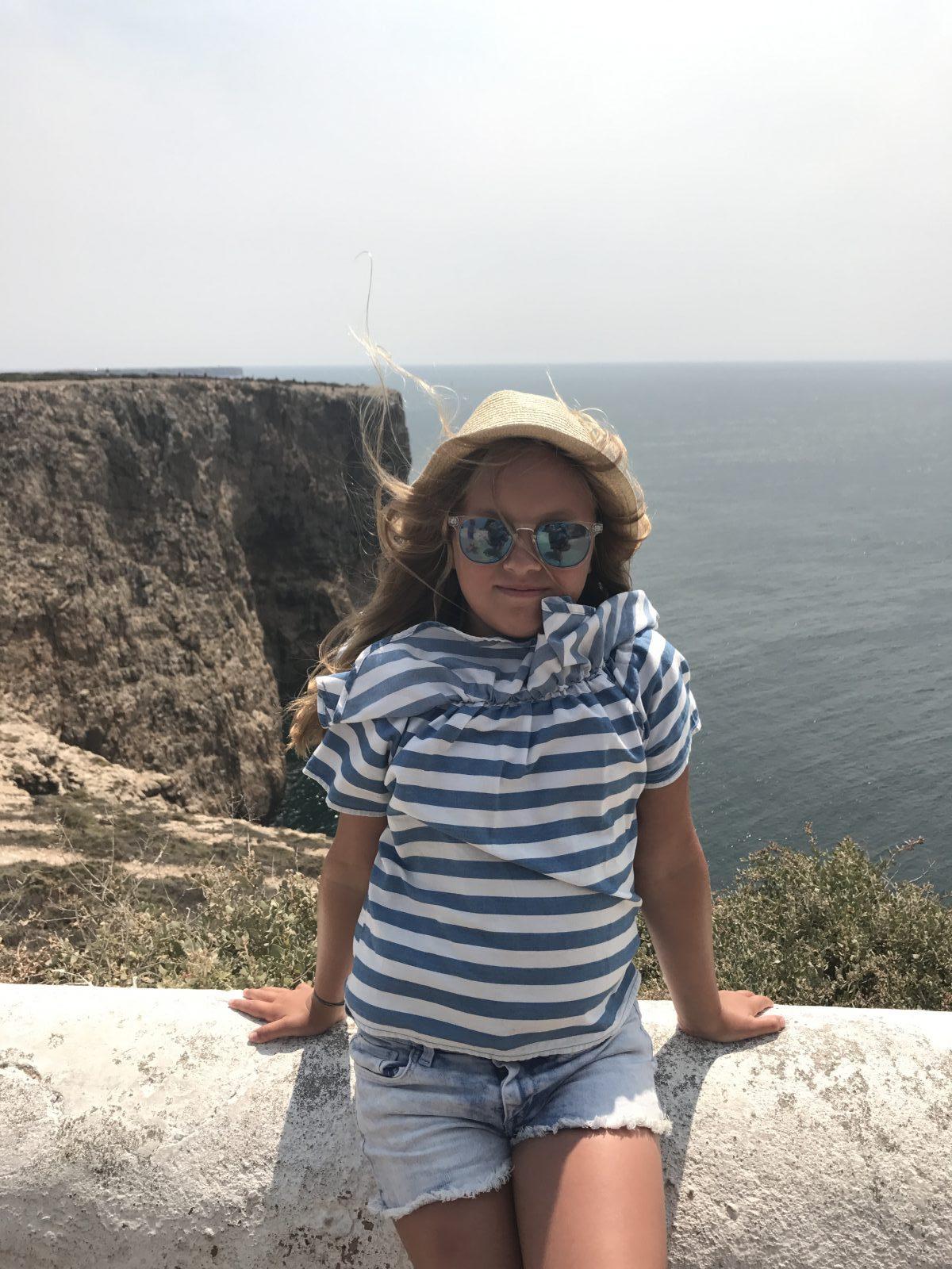 Westalgarve mit Kindern: Goldkind am Cabo | berlinmittemom.com