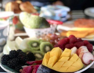 Sonntagsfrühstück mit Obstmandala | berlinmittemom.com