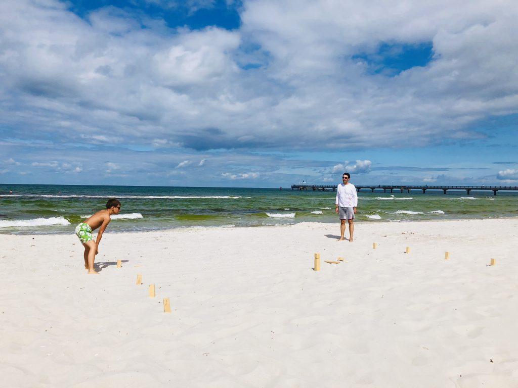 Spielen am Strand | berlinmittemom.com