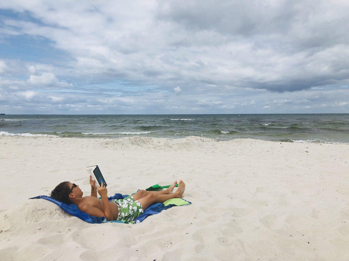 Lesen im Strandkorb | berlinmittemom.com