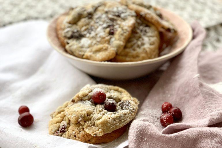 Cranberry Schoko Cookies zu Weihnachten   berlinmittemom.com