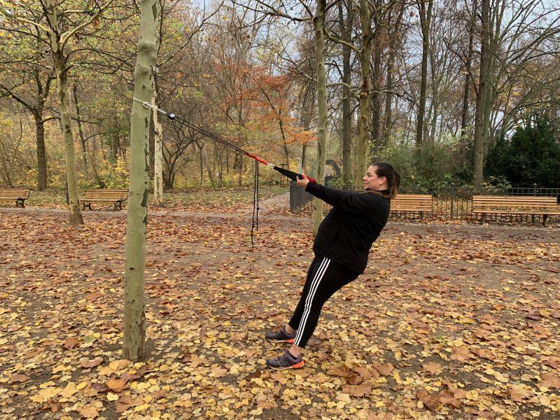 Schwitzen & Schwätzen: Sling-Training   berlinmittemom.com