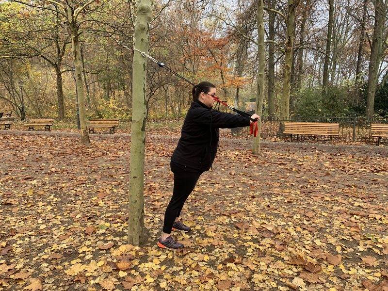 Übungen mit dem Schlingentrainer   berlinmittemom.com
