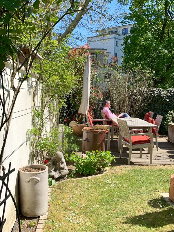 Freitagslieblinge: Gartenstillleben mit Opa | berlinmittemom.com