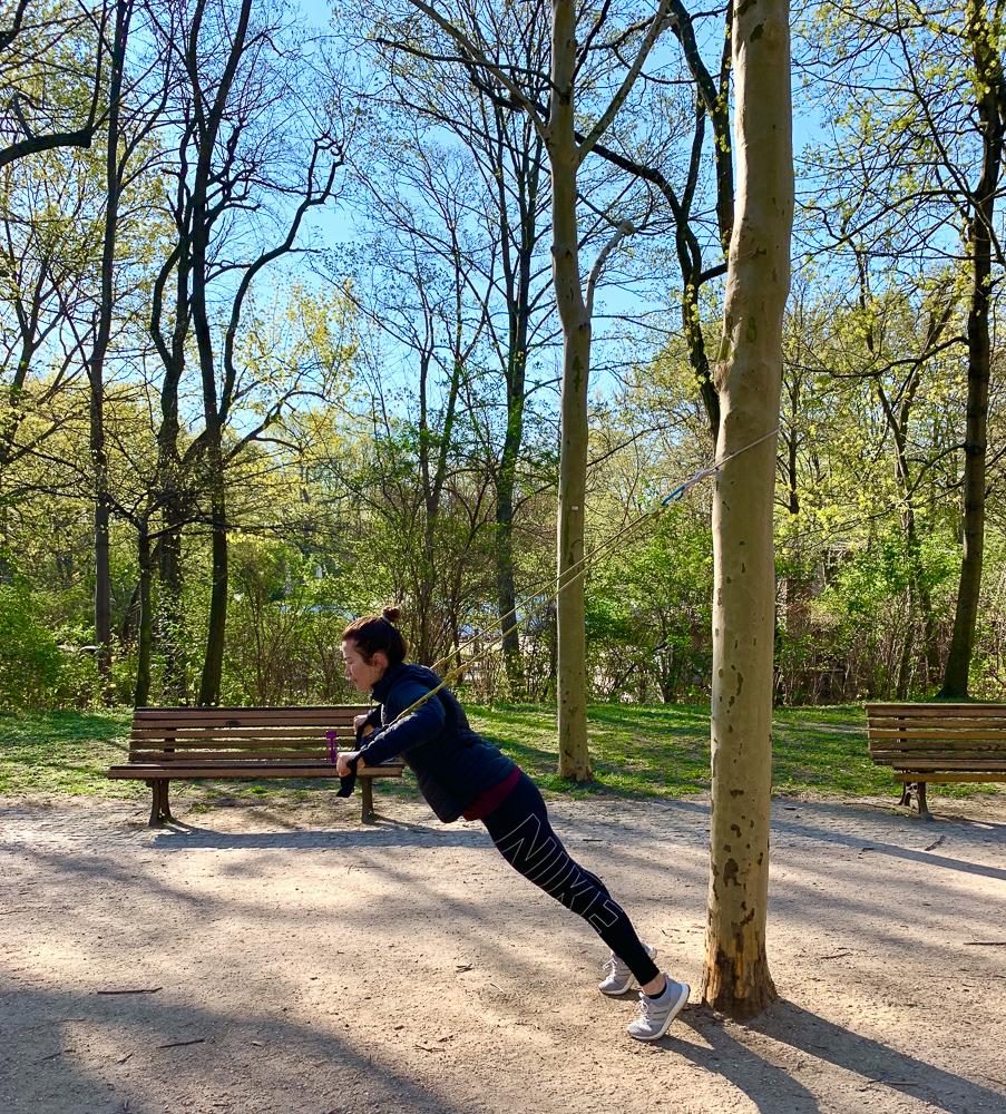 Ganzkörper Übungen mit dem Sling-Trainer   berlinmittemom.com