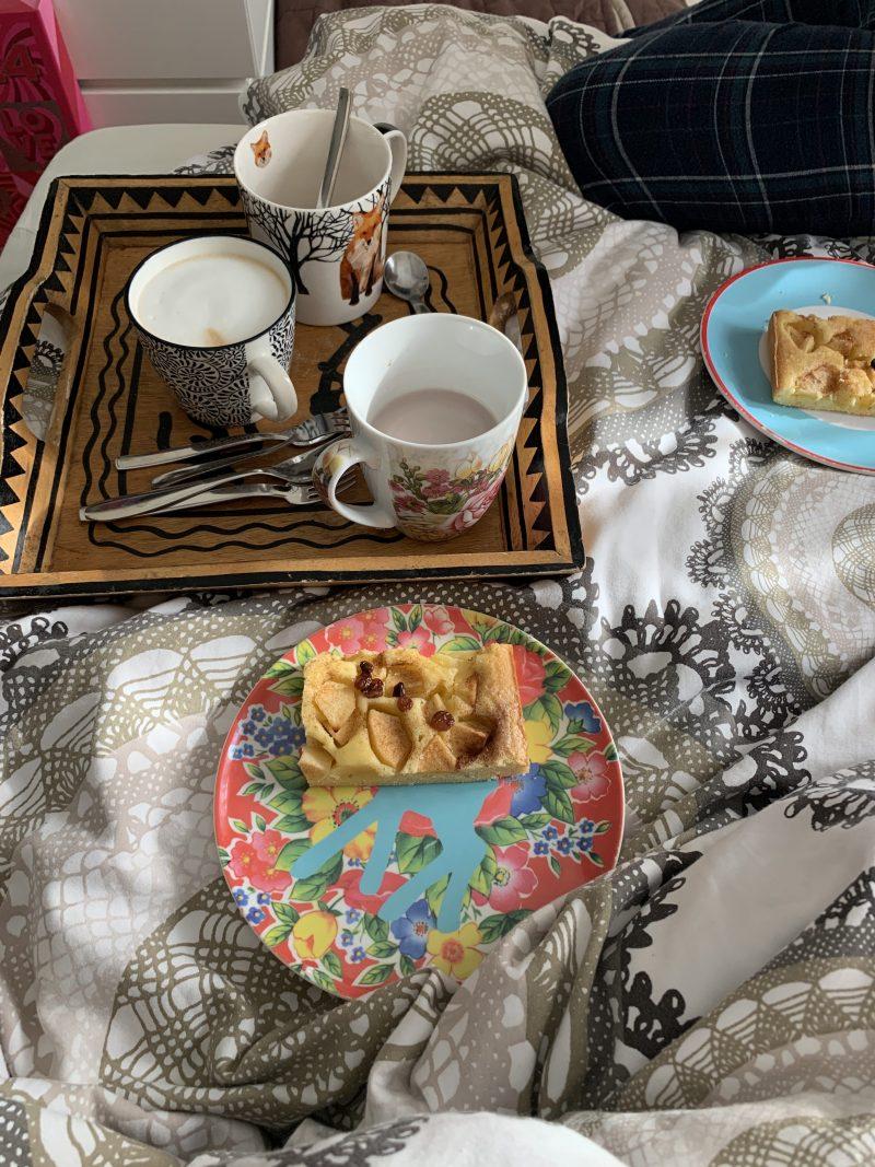 Sonntagskaffee im Bett | berlinmittemom.com