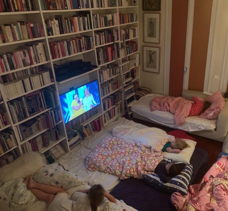Übernachtungsparty mit Kindern | berlinmittemom.com