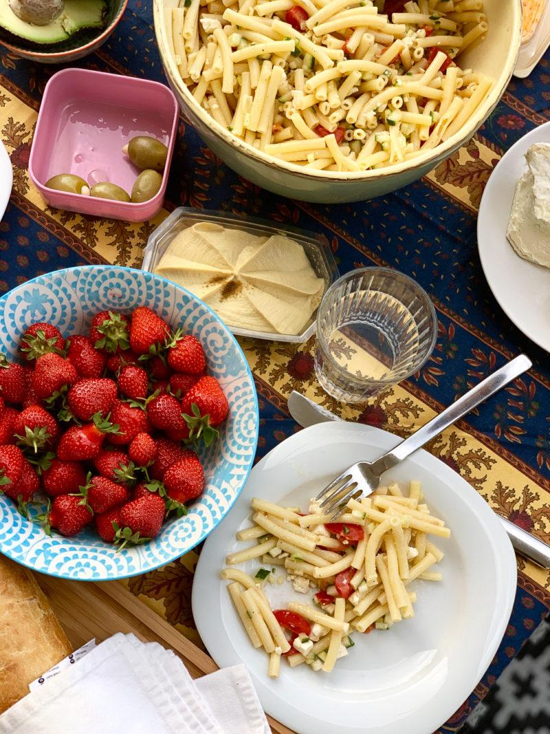 Vegetarischer Nudelsalat ohne Mayonnaise | berlinmittemom.com