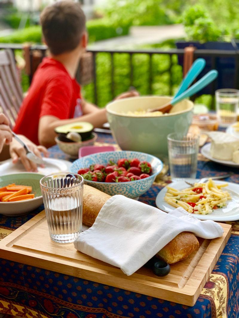 Rezept für schnellen Nudelsalat für die ganze Familie | berlinmittemom.com