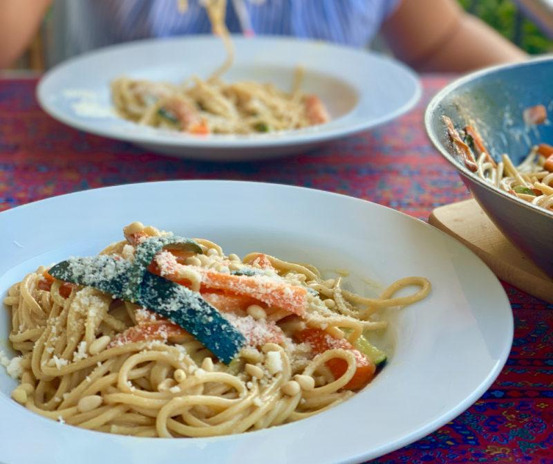 Spaghetti mit Zucchini und Möhren | Schnelle vegetarische ...