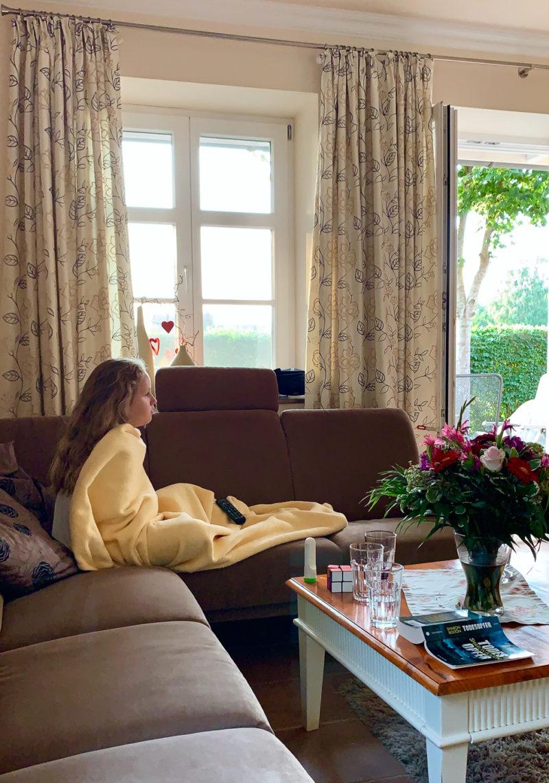 Krank auf der Couch | berlinmittemom.com