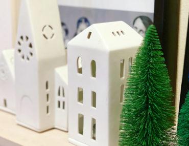 Weihnachtsdeko auf dem Kamin | berlinmittemom.com