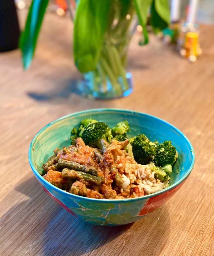 Veganes Erdnusscurry mit Broccoli | berlinmittemom.com