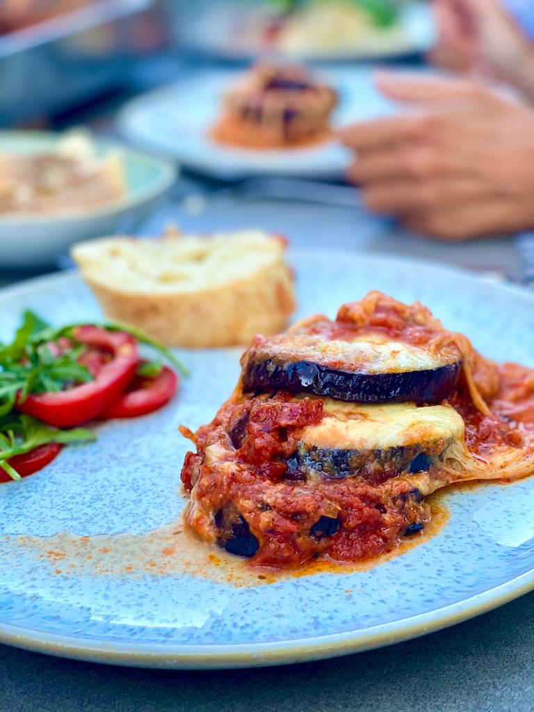 Auberginenlasagne mit Mozzarella | berlinmittemom.com