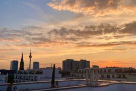 Sonnenuntergang Rooftop Berlin | berlinmittemom.com