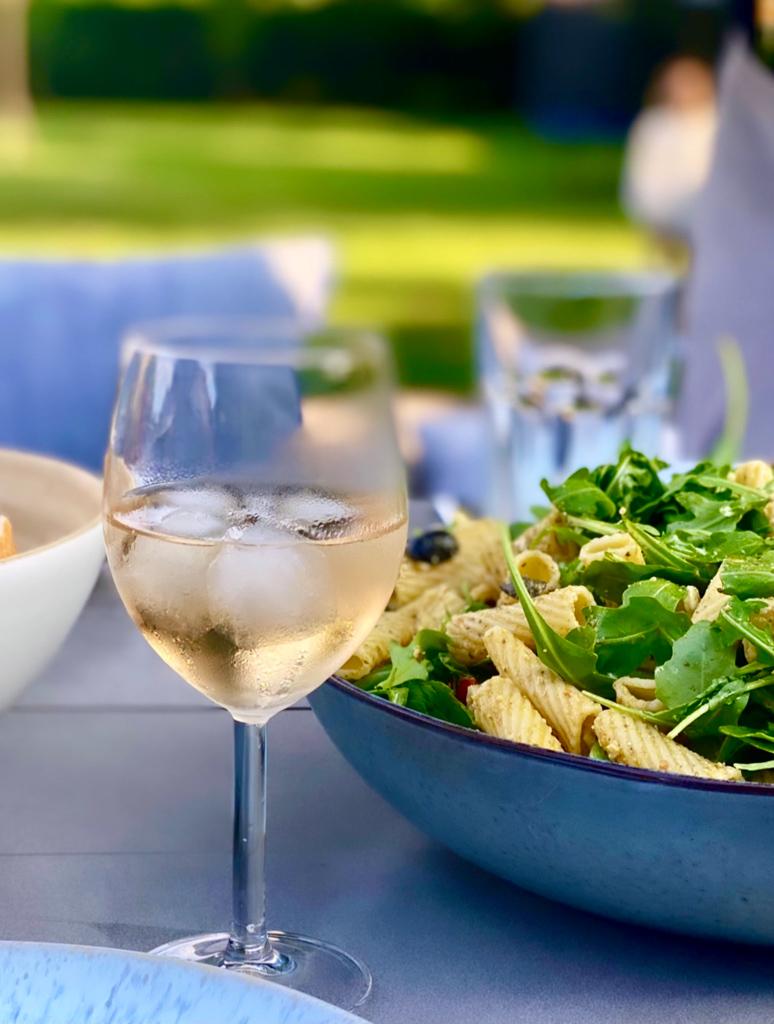 Pastasalat mit Pesto und Rucola   berlinmittemom.com