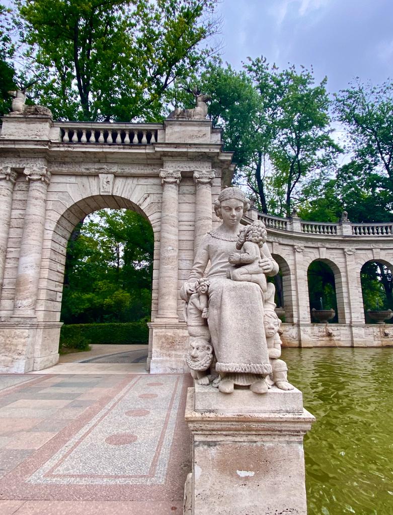 Märchenbrunnen Sommer 2021   berlinmittemom.com