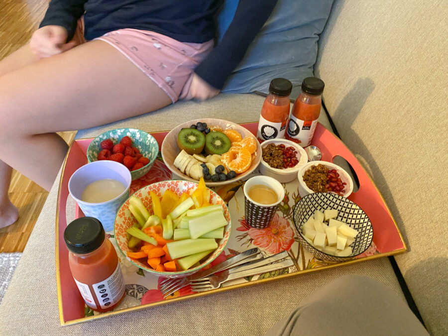 Tablettfrühstück mit großen Kindern   berlinmittemom.com